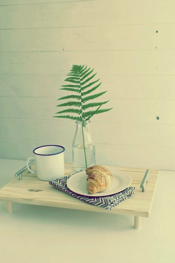 Изготовление простого столика для завтрака