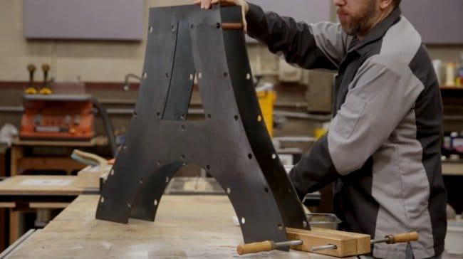 Столик в индустриальном стиле
