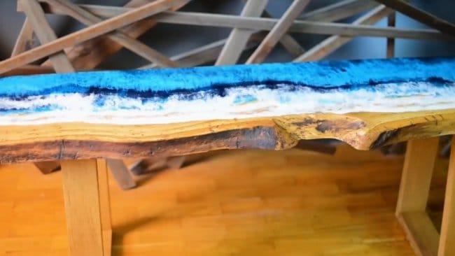 Морской стол из эпоксидки и дерева