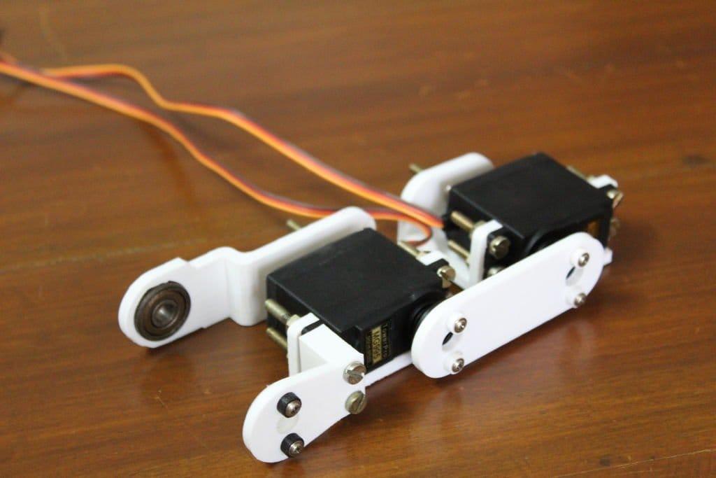 Двуногий прямоходящий робот (платформа для обучения)