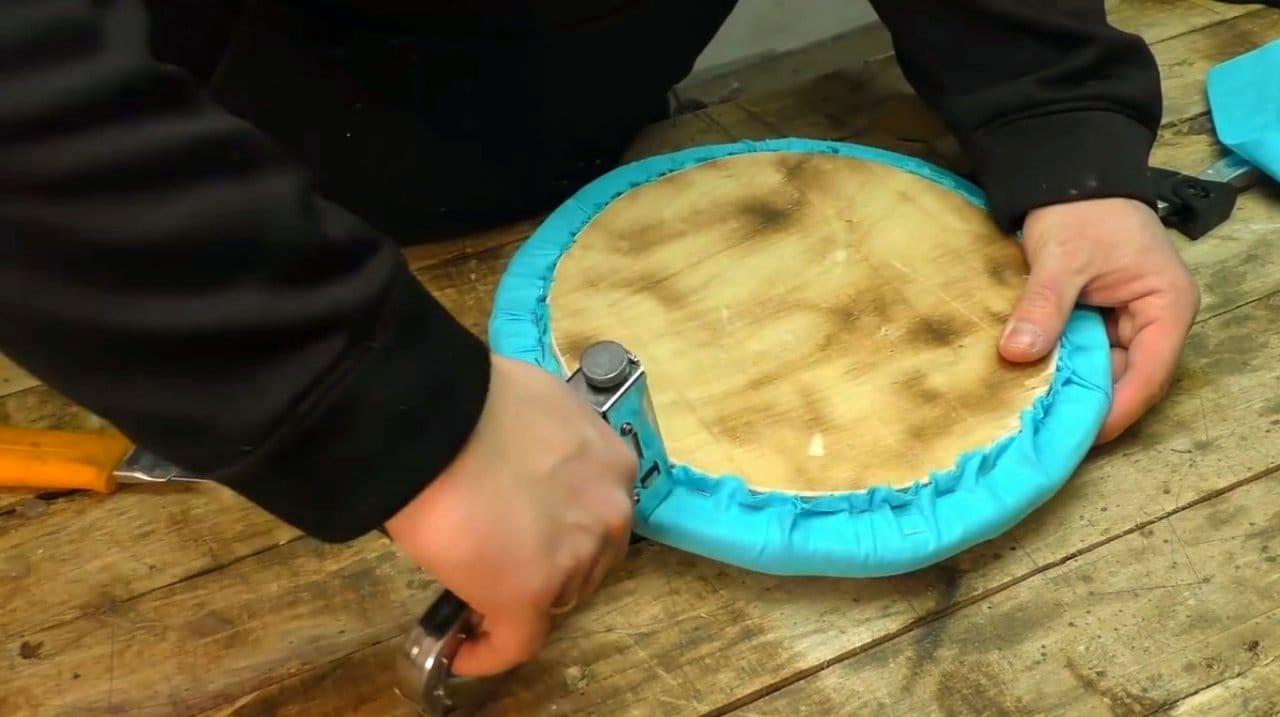 Простой пуфик своими руками