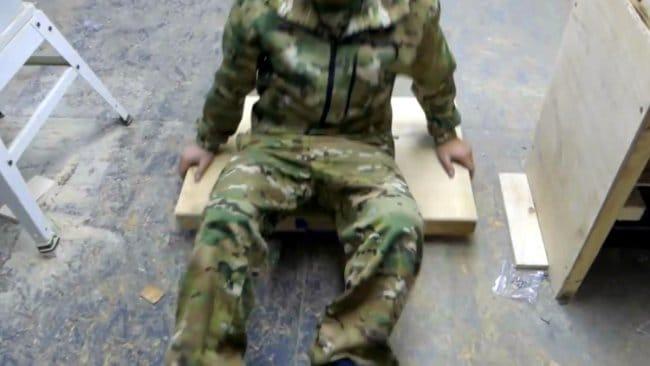 Простая напольная выдвижная полка для мастерской своими руками