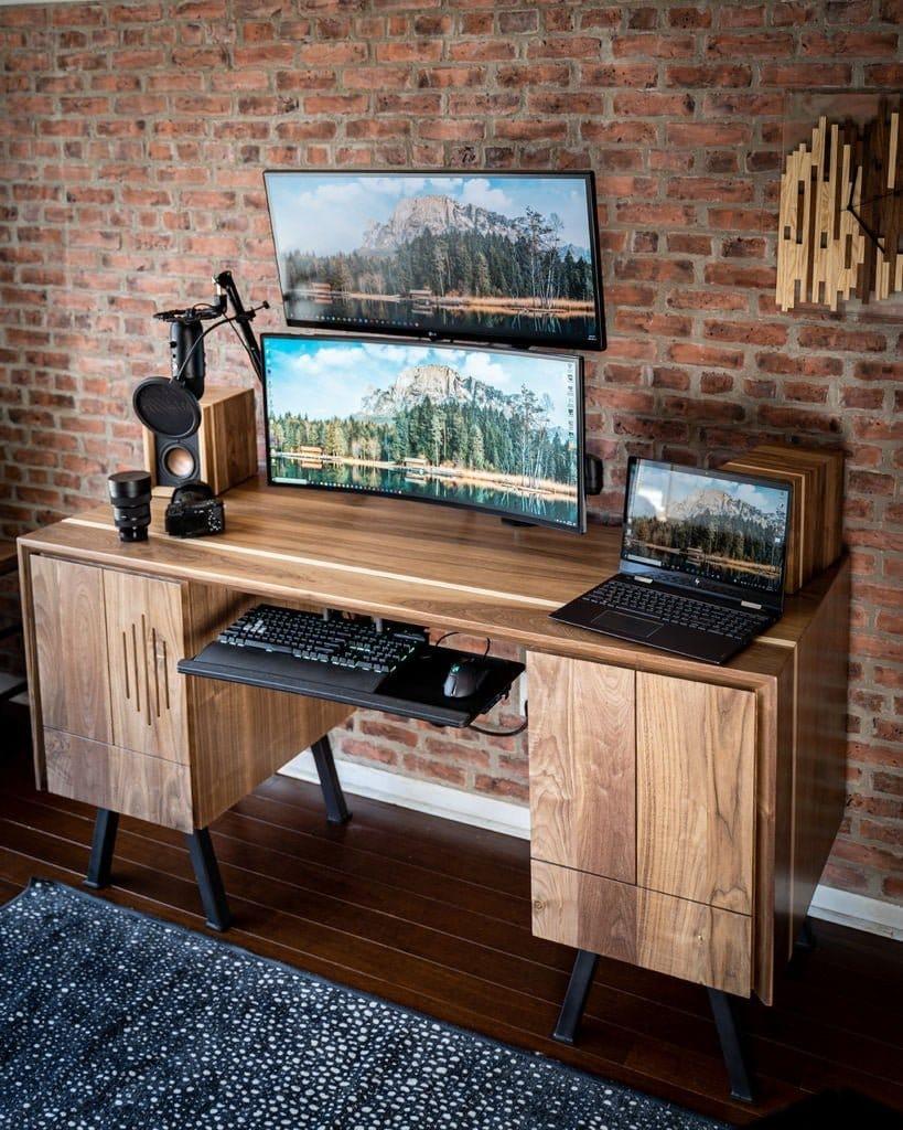 Компьютерный стол со встроенным системным блоком