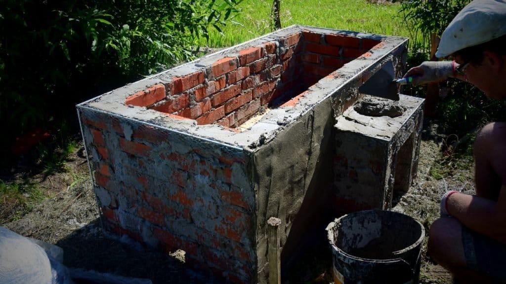Открытая ванна с дровяным подогревом воды