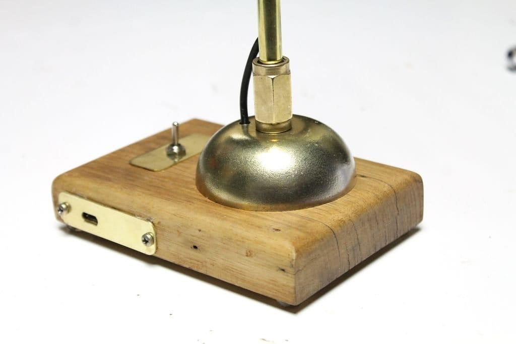 Светильник на рабочий стол