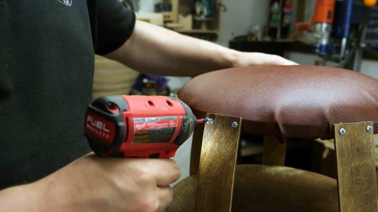 Как сделать пуфик с полочкой из обрезков фанеры