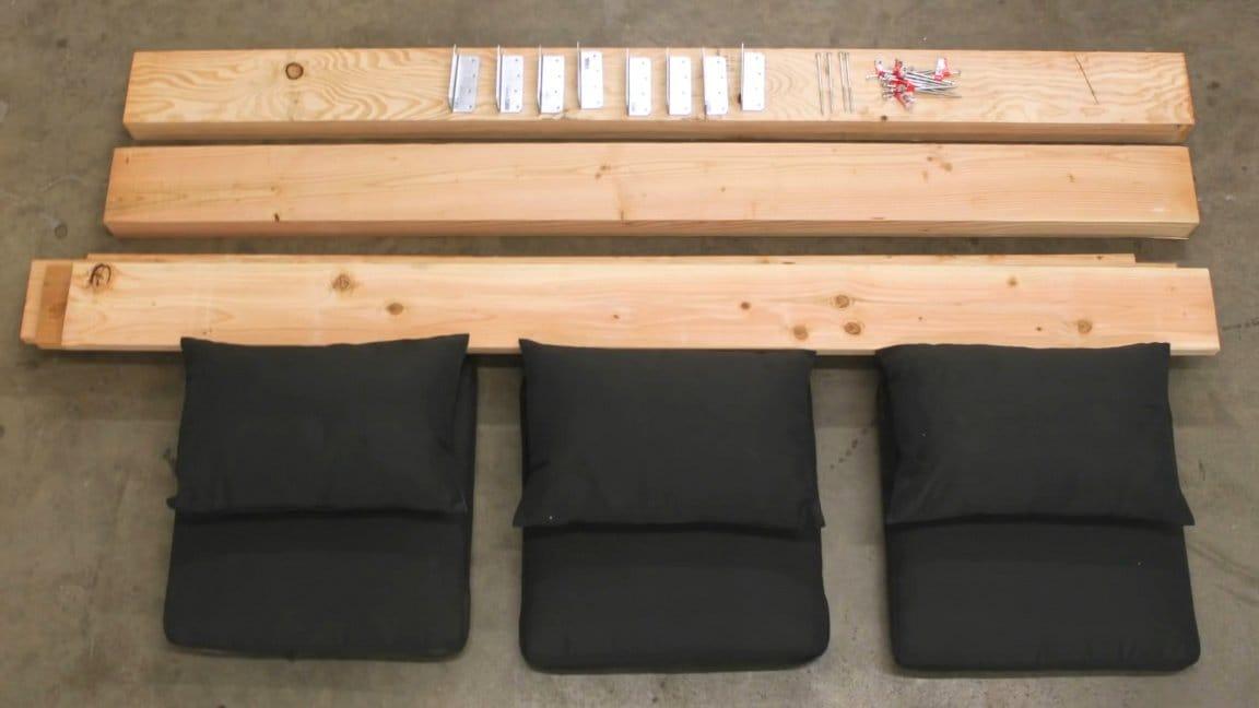 Простая уличная диван-кушетка своими руками
