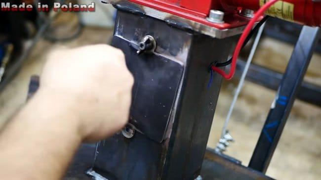 Прицеп-самосвал на 12В для мини-трактора