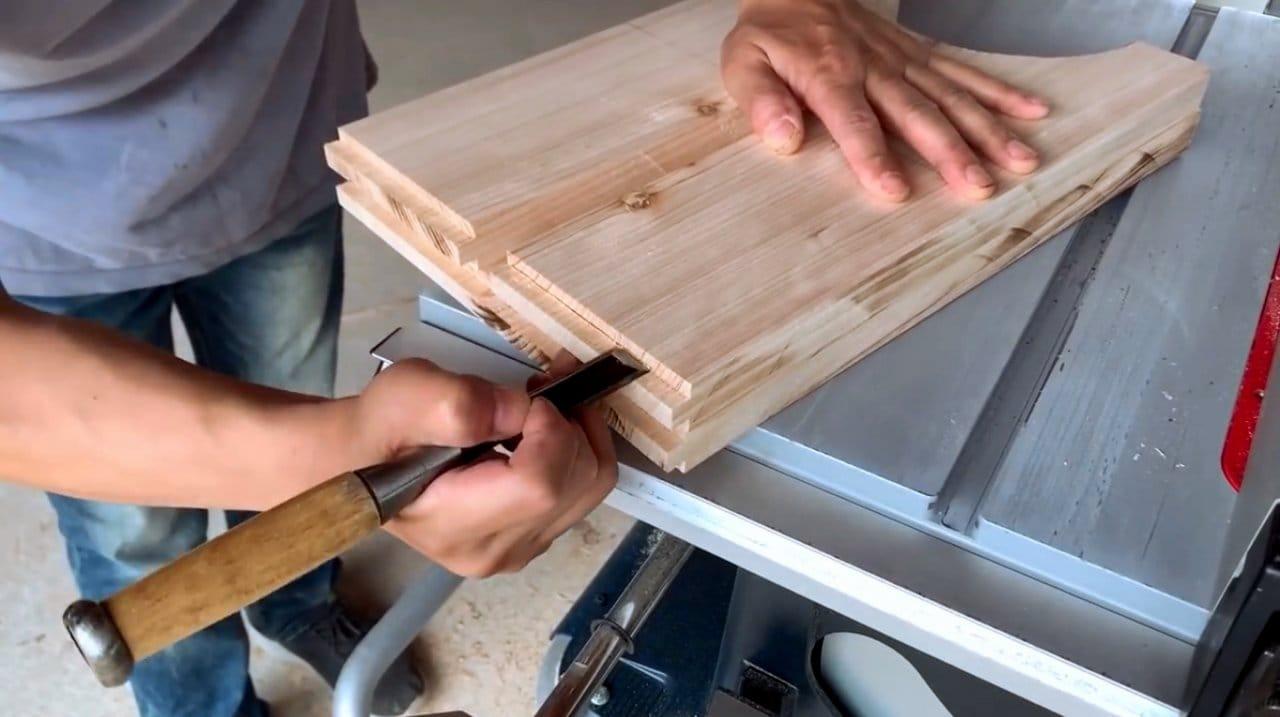 Как сделать табурет из трех деталей без использования метизов