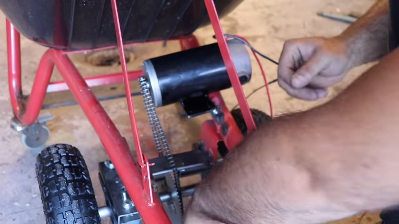 Садовая тачка с электромотором 12В