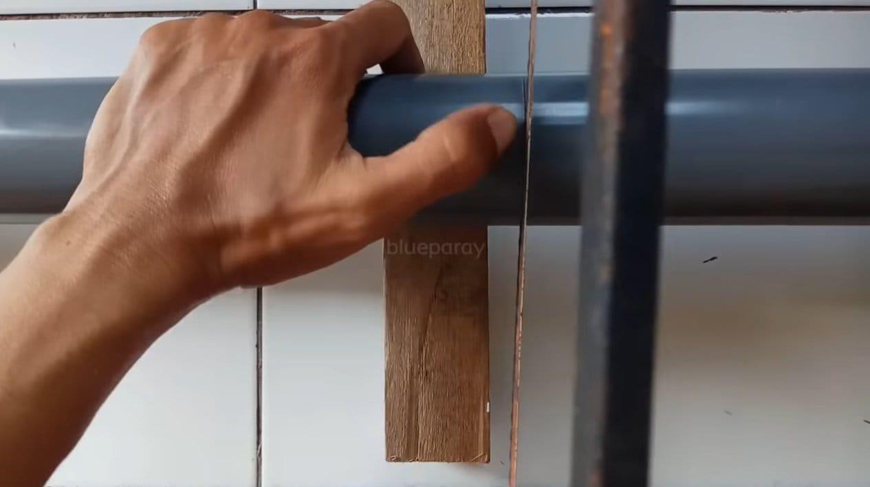 Простой и надежный футляр для удочки из трубы