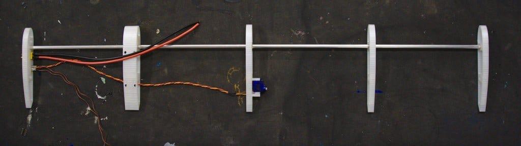 Большой самолет с автономным планом полета + радиоуправление