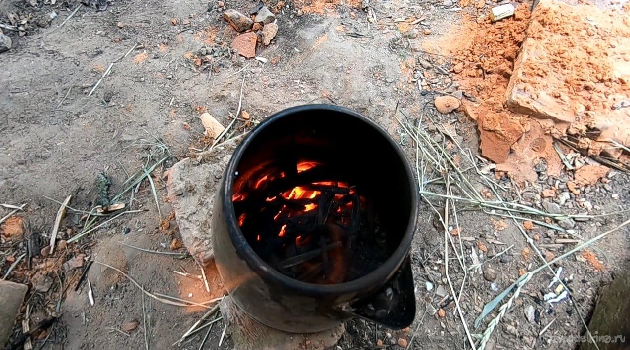 Легенькая мини-печь для туризма из электрочайника