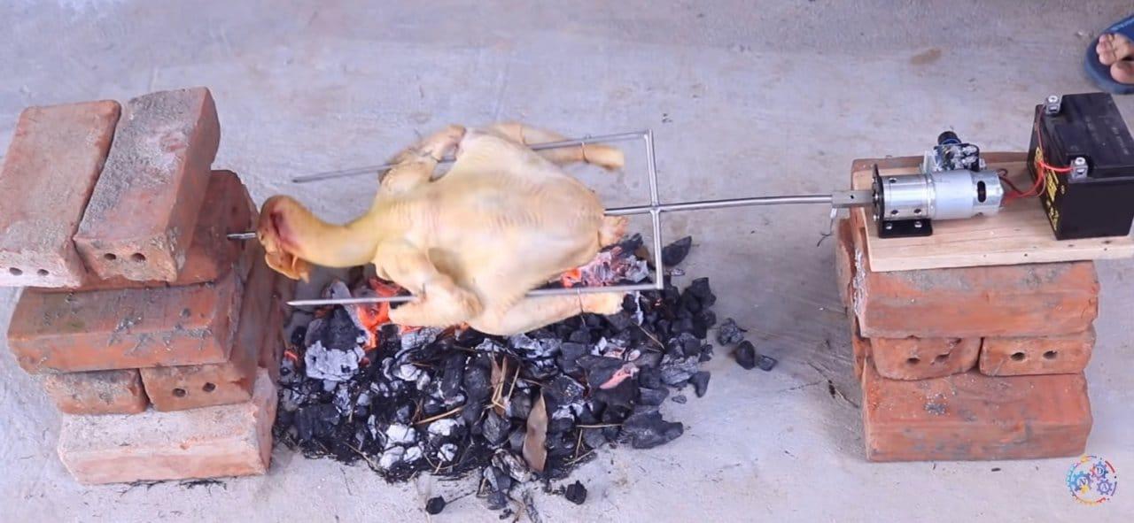 Машина для приготовления «курицы гриль» на углях своими руками