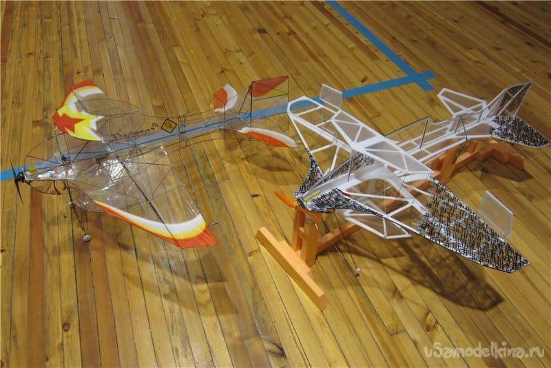 Тренировочный каркасно-пленочный неубиваемый самолет