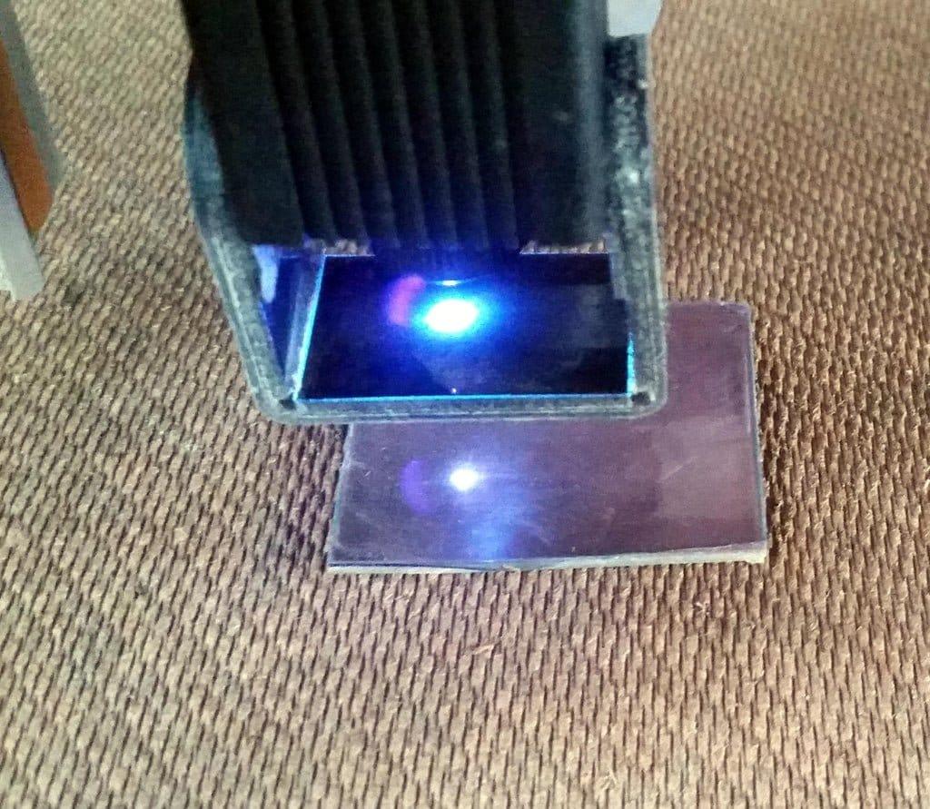 Фонарик с питанием от суперконденсатора и быстрой зарядкой через USB