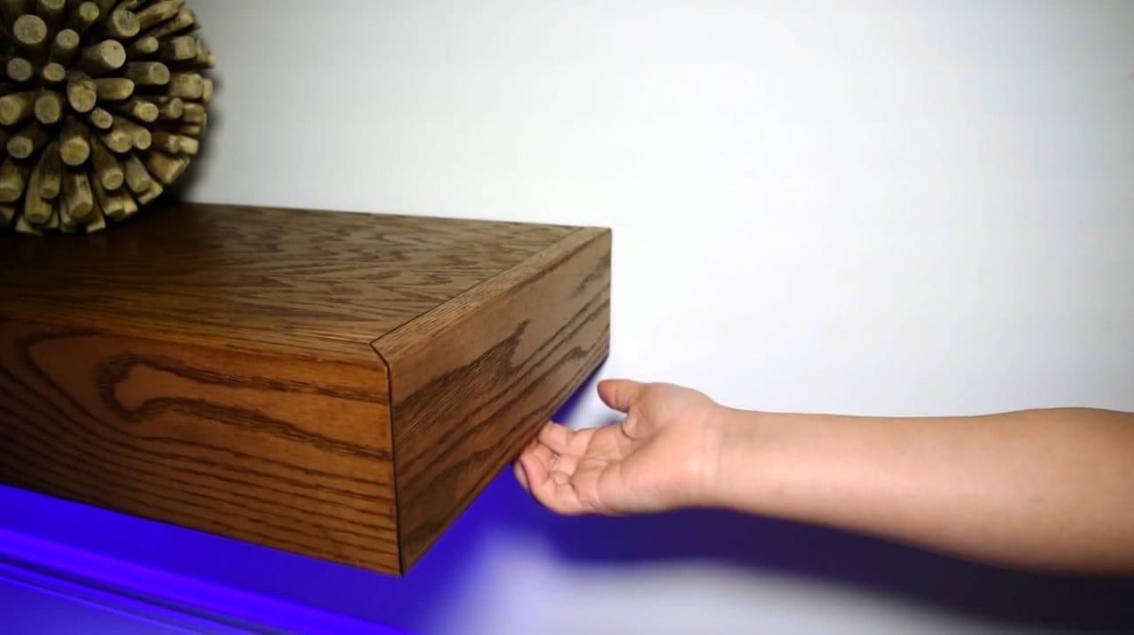 «Парящая» полка с секретным ящиком и подсветкой своими руками