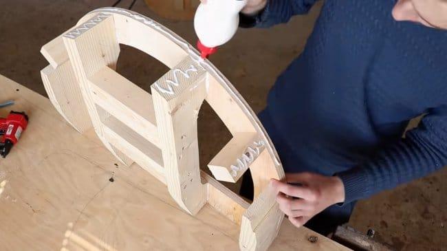 Шикарное кресло из фанеры