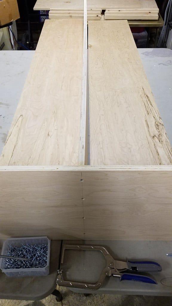 Книжный шкаф из фанеры