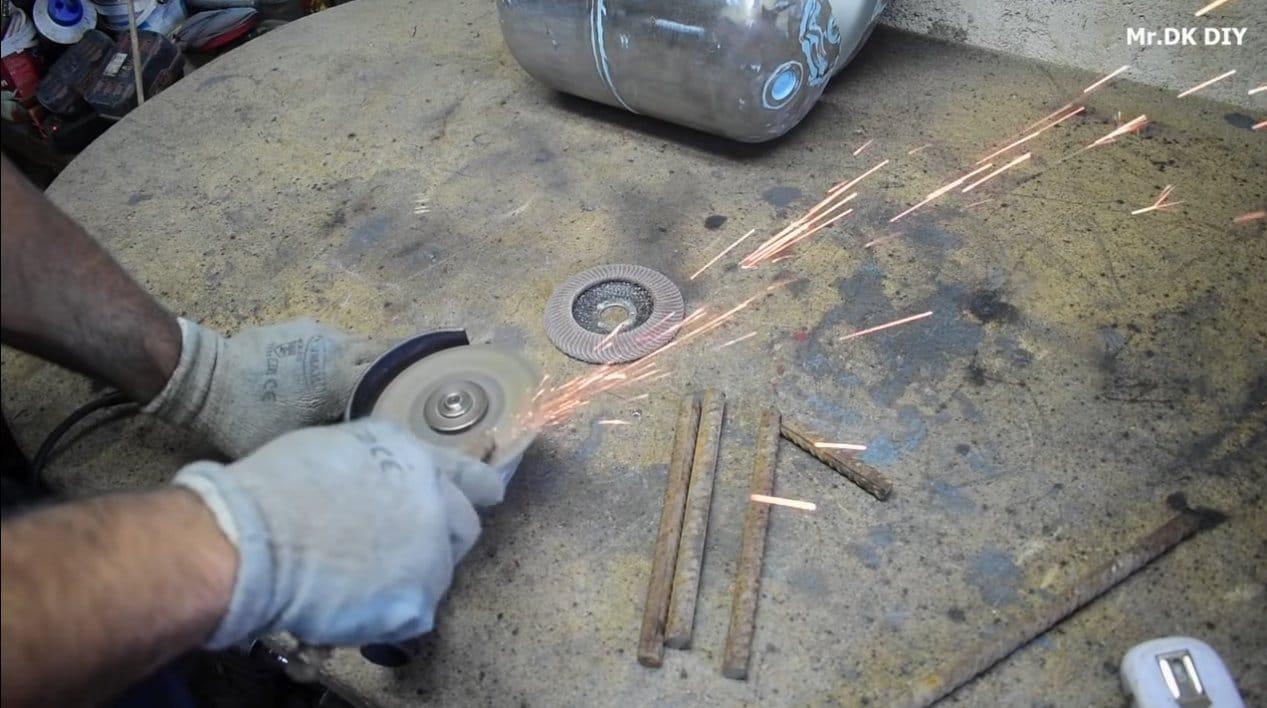Простой мангал из газового баллона