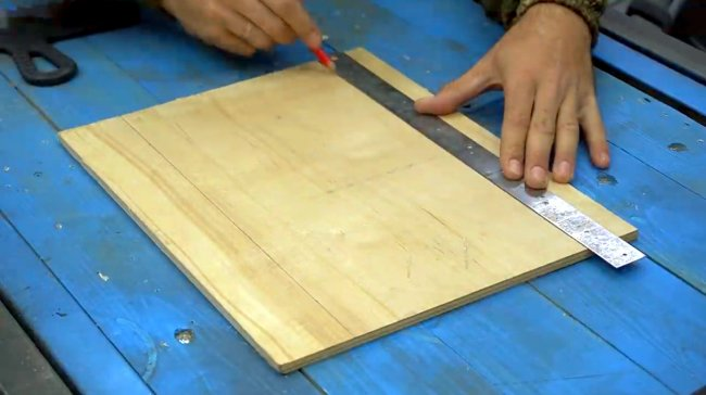 «Полуавтомат» для быстрого нанесения клея на плитку своими руками