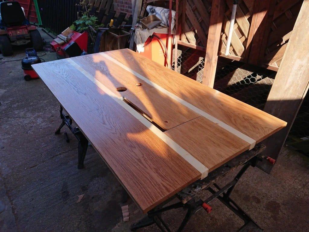 Рабочий стол из массива дуба и сосны