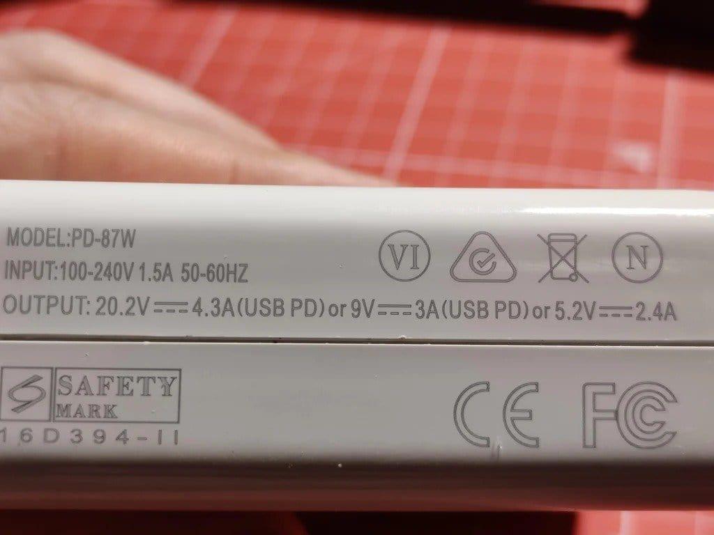 Настольный блок питания с питанием от USB-C
