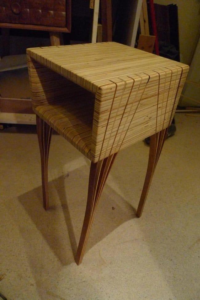 Необычный столик с необычными ножками