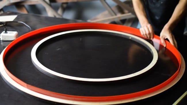 Плазменный стол из эпоксидной смолы