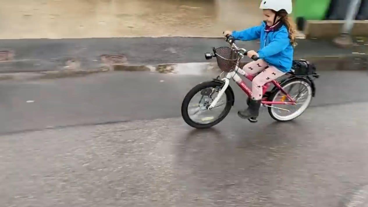 Простой электровелосипед с передним приводом для ребенка (120Вт)