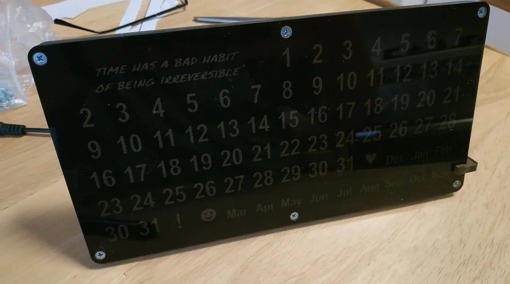 Электронный «вечный календарь» своими руками