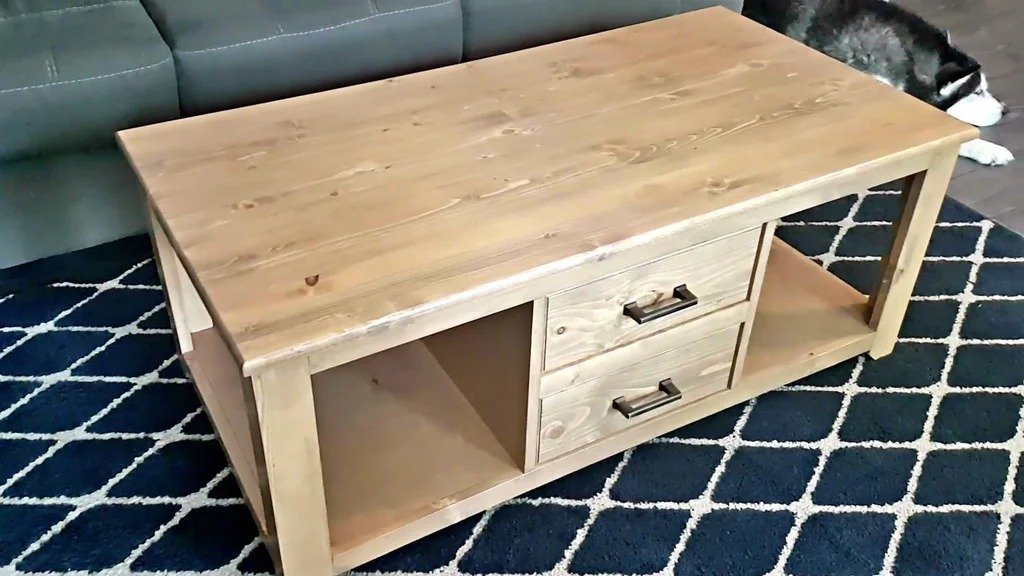 Журнальный столик с ящиками