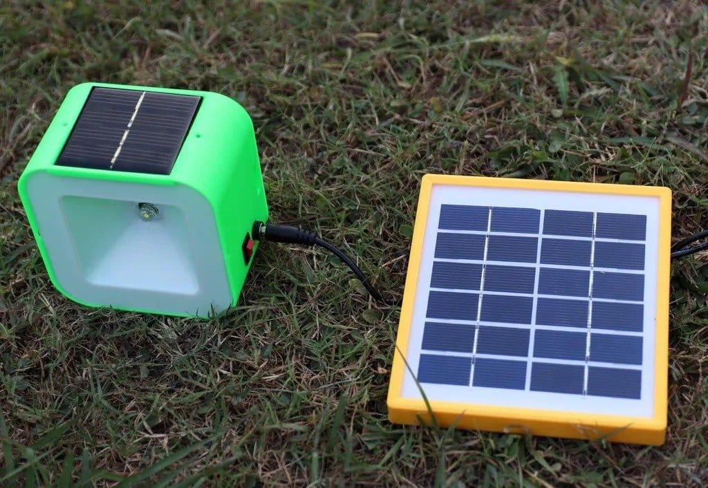 Ночной светильник с зарядкой от солнечной панели