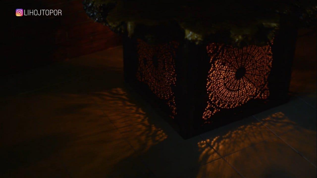 Стол-ночник из огромного спила