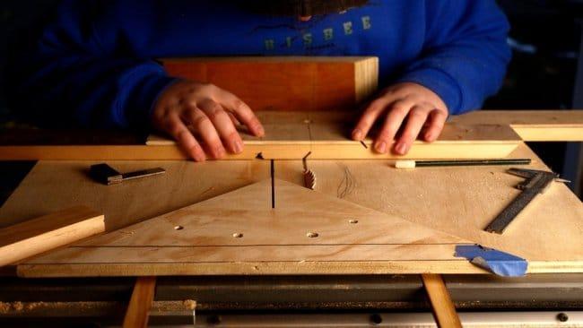 Портативный складной стол для учебы и работы за ноутбуком