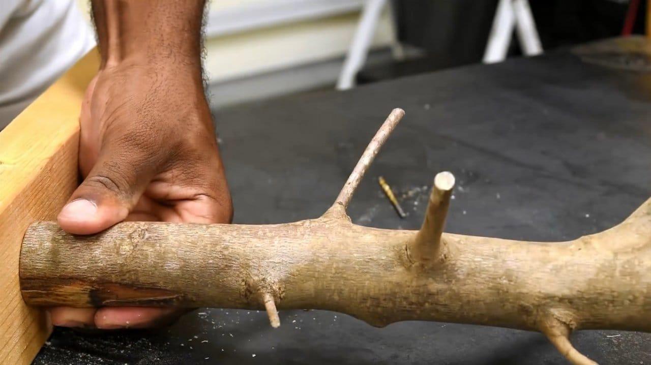 Полка с декоративной стойкой своими руками
