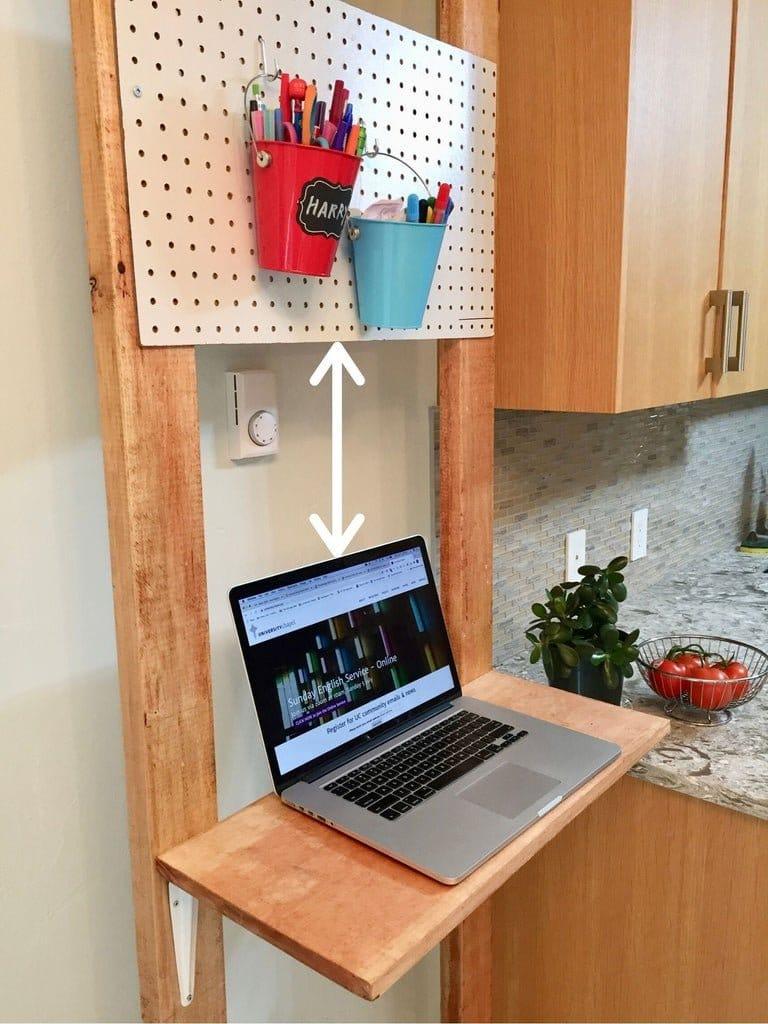 Мобильный стол для сидяче-стоячей работы за ноутбуком своими руками