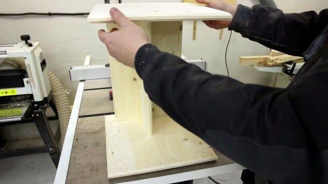 Как сделать простой прикроватный столик