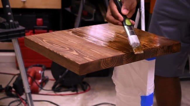 Прикроватный столик из досок своими руками
