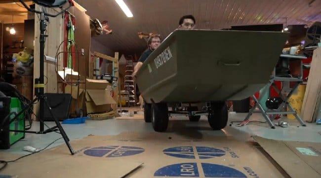 Мини-амфибийный автомобиль!