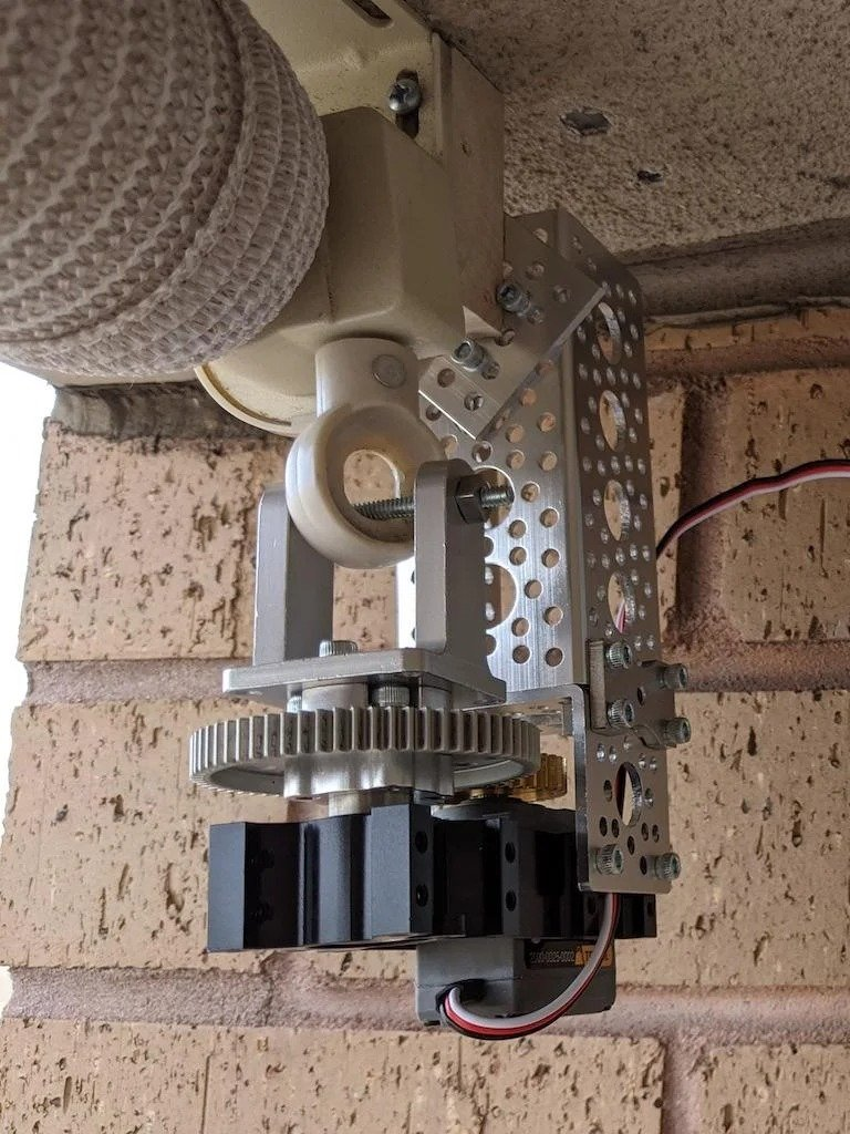 Автоматизация закрытия и открытия рулонных штор