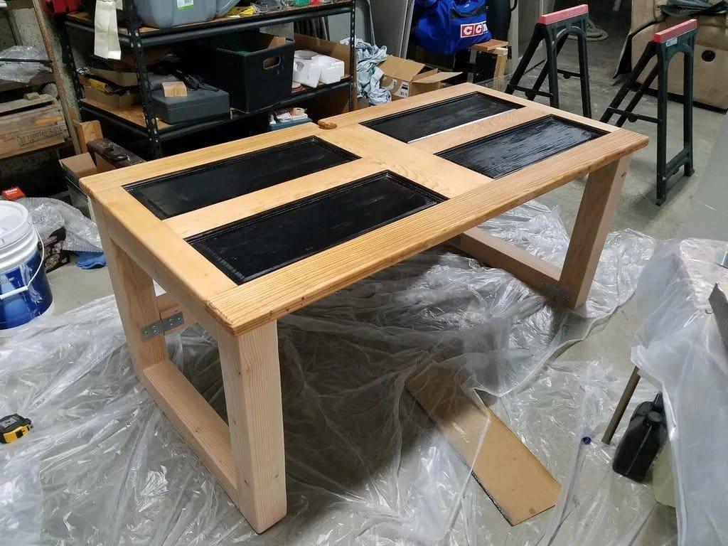 Компьютерный стол из старой двери