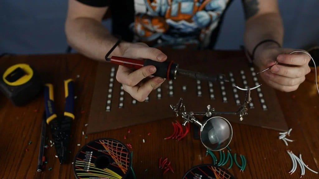 Светодиодно-песочные часы своими руками