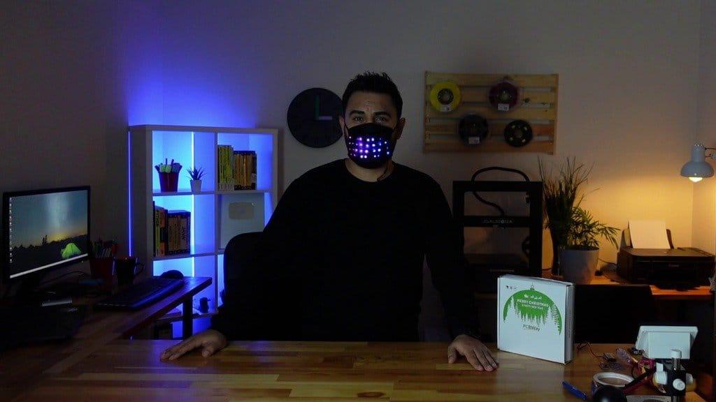 Лицевая маска со светодиодной анимацией
