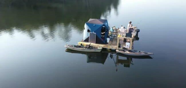 Плавающий домик рыбака