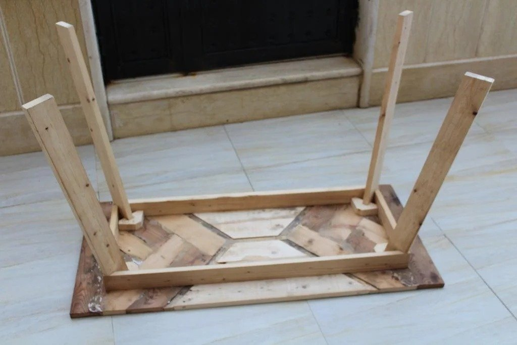 Стол на «скорую руку»