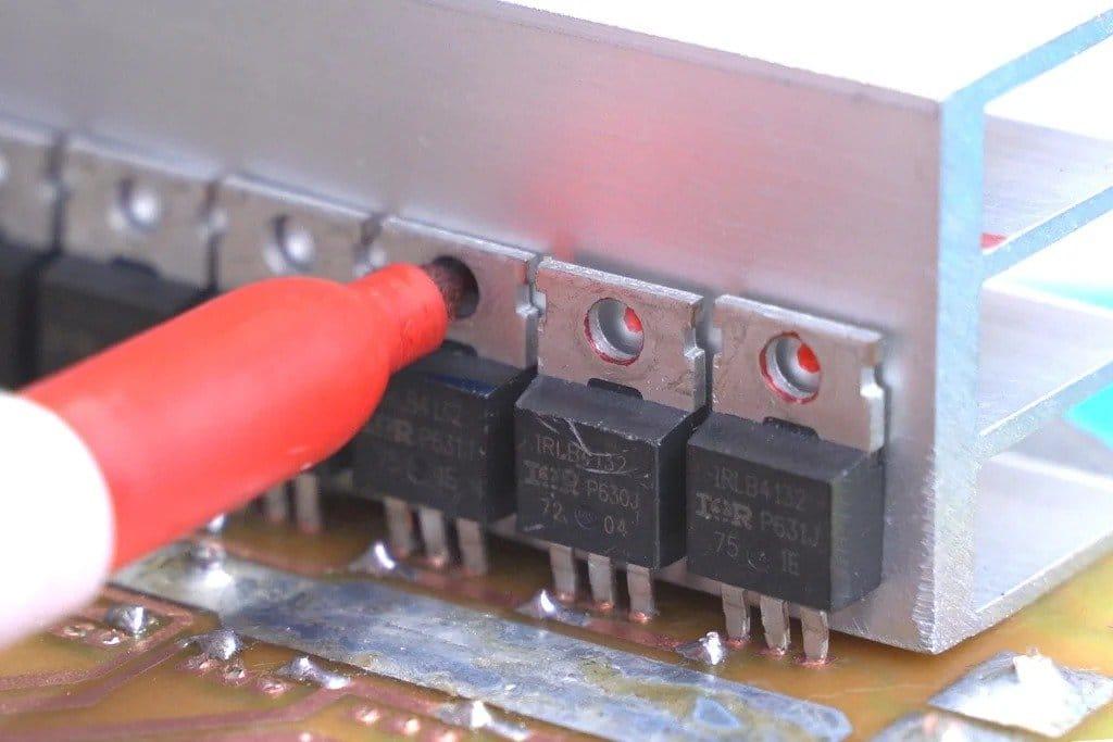 Собираем дешевый инвертор с чистой синусоидой  (от 12В до 110В/220В)