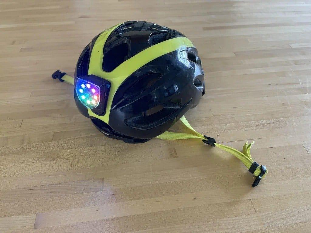 Габаритный фонарь для шлема велосипедиста