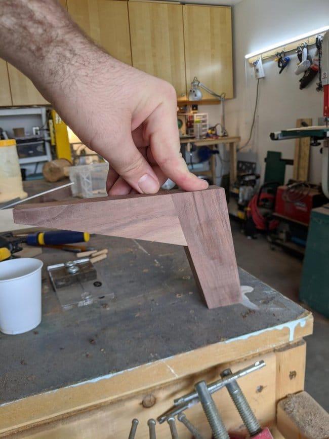 Двухсекционная тумбочка без дверей