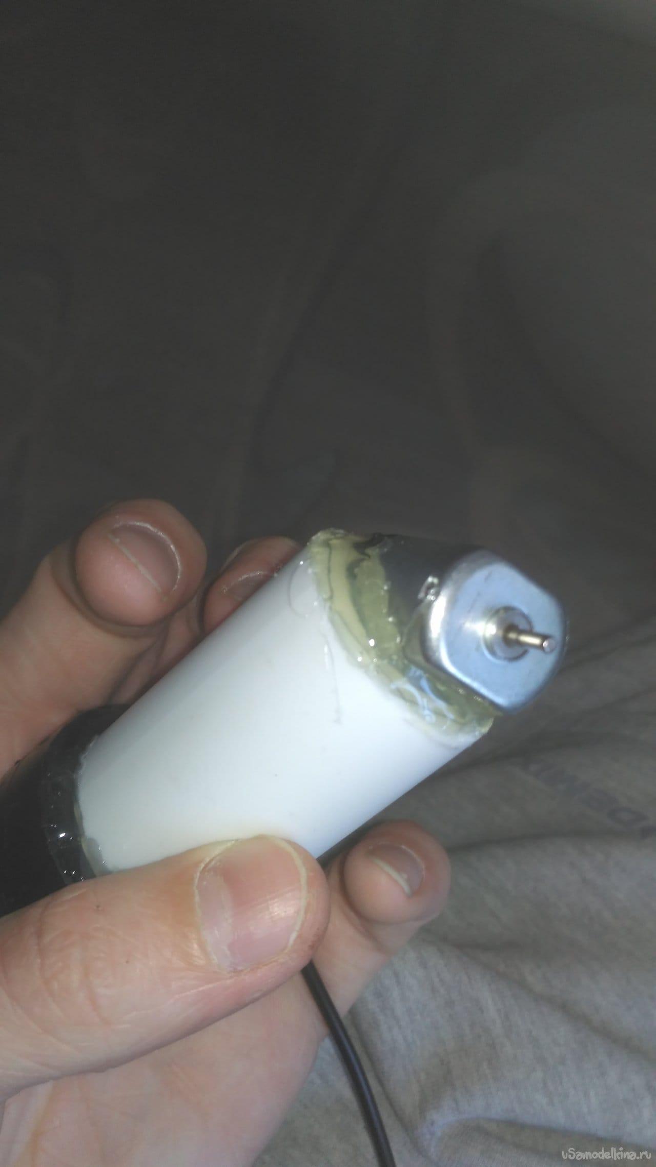 Настольный вентилятор из хлама